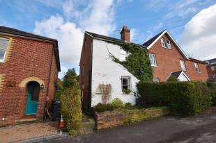 3 Bedrooms End Of Terrace House for sale in South Terrace, Harley Lane, Heathfield, East Sussex