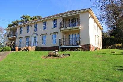 3 Bedrooms Flat for sale in 4 Westfield Road, Budleigh Salterton, Devon