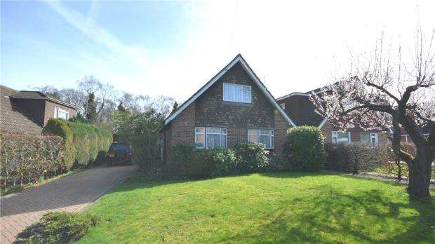 4 Bedrooms Detached House for sale in Frogmore Park Drive, Blackwater, Camberley