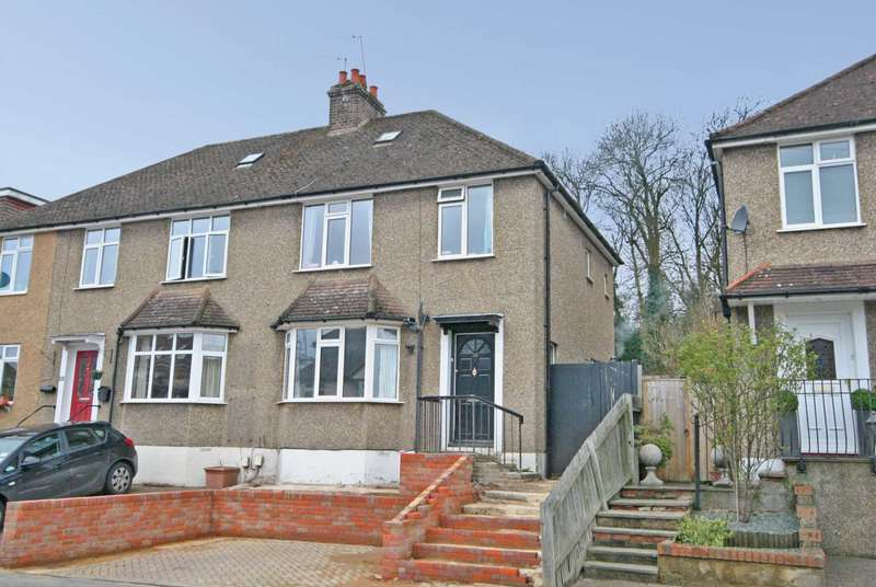 3 Bedrooms Semi Detached House for sale in Boxmoor