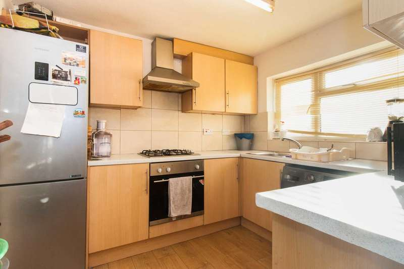 3 Bedrooms Maisonette Flat for sale in Albert Road, West Drayton