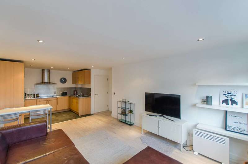 2 Bedrooms Flat for sale in Inverness Street, Camden, NW1