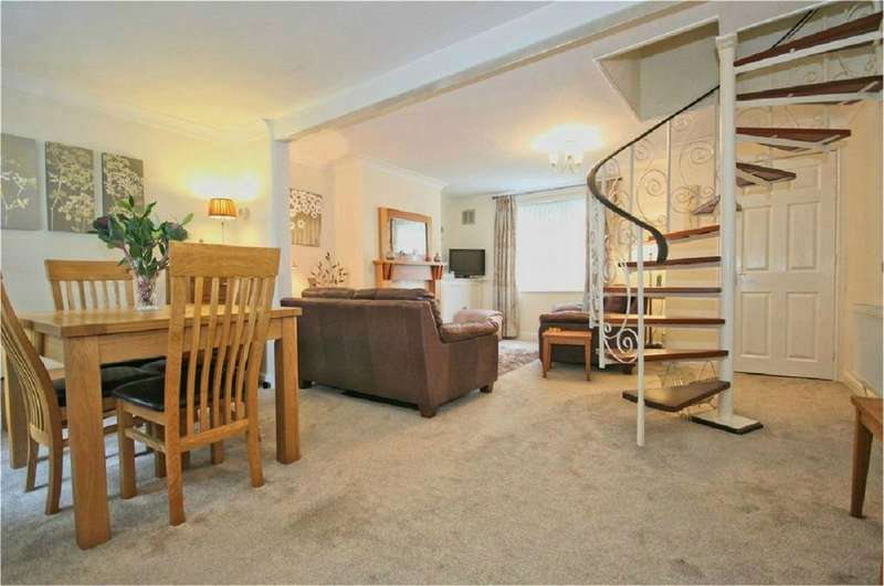 2 Bedrooms Cottage House for sale in North Street, Anlaby, Hull, East Riding of Yorkshire