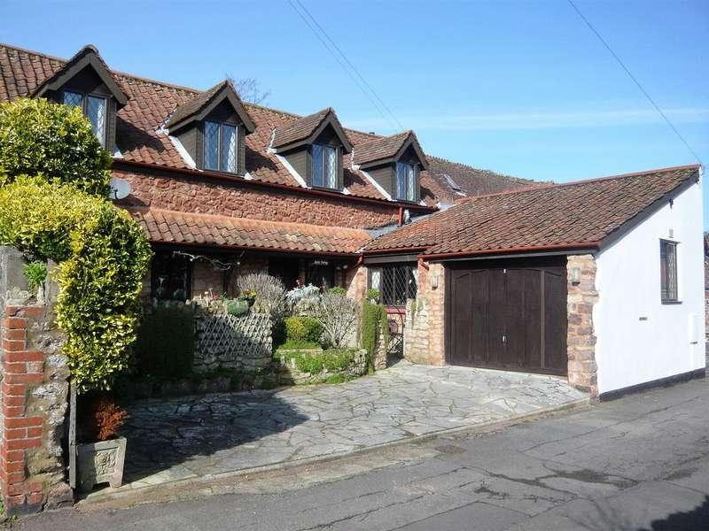 4 Bedrooms Mews House for sale in Blenheim Mews, Minehead TA24