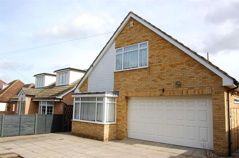 3 Bedrooms Detached Bungalow for sale in Crow Furlong, Hitchin