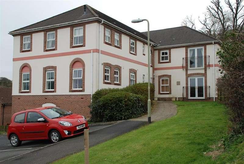 2 Bedrooms Flat for sale in Marlen Court, Bideford