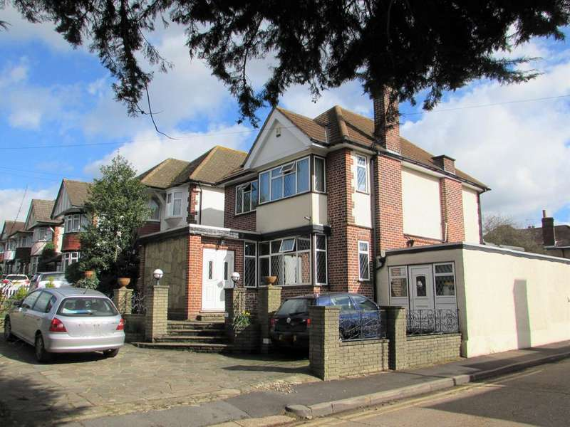 3 Bedrooms Detached House for sale in High Road, Harrow HA3