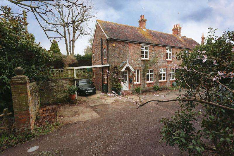 2 Bedrooms Semi Detached House for sale in Albourne Road, Hurstpierpoint