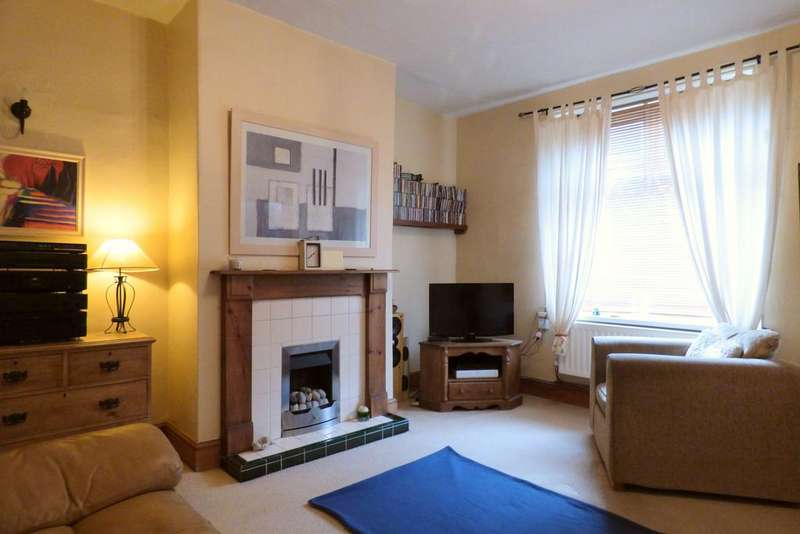 1 Bedroom Terraced House for sale in Tennyson Place, Hipperholme HX3