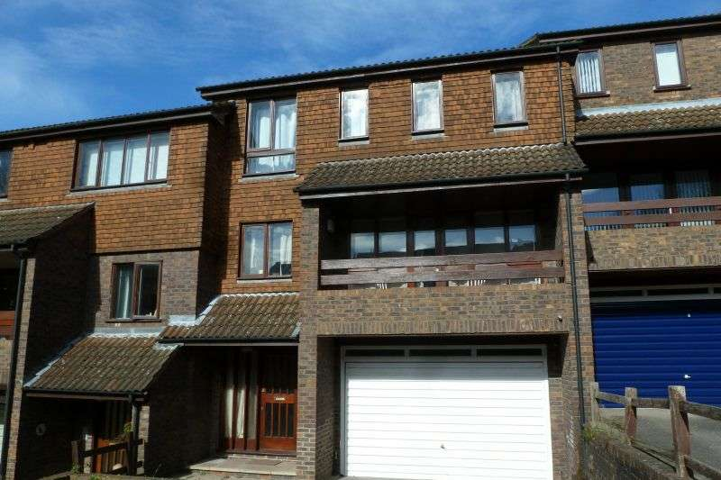 4 Bedrooms Town House for sale in Ashbourne Square, Northwood