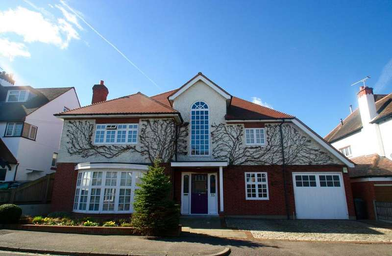 5 Bedrooms Detached House for sale in Harley Street, Leigh-On-Sea