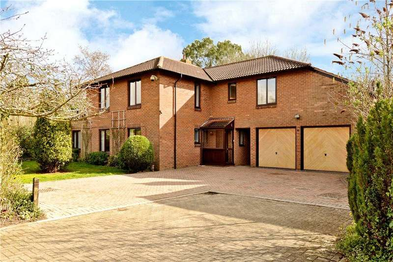 4 Bedrooms Detached House for sale in Stanway Close, Downhead Park, Milton Keynes, Buckinghamshire