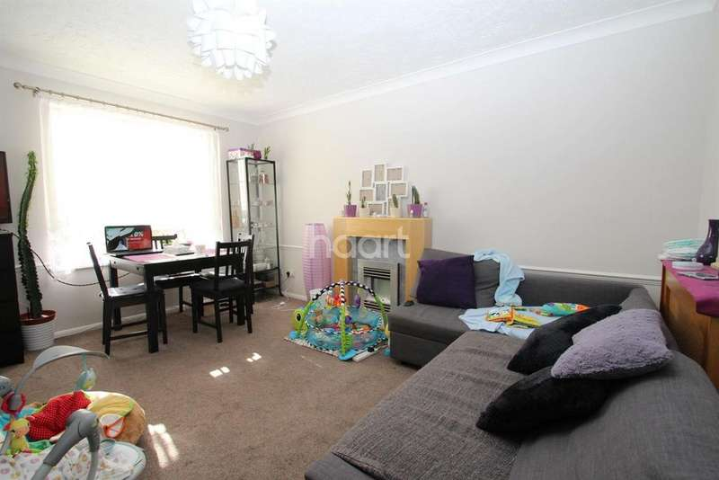 2 Bedrooms Flat for sale in Albany Walk, Peterborough