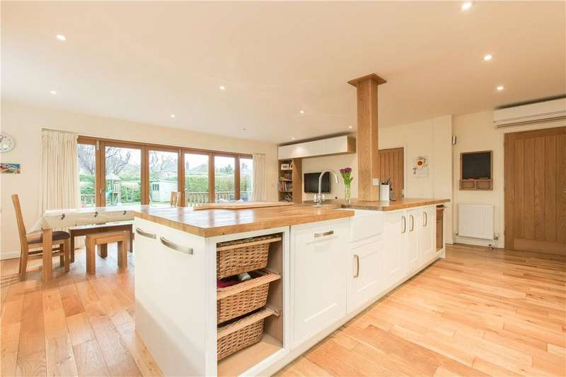 4 Bedrooms Detached House for sale in Haverhill Road, Stapleford, Cambridge, CB22