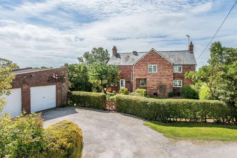 4 Bedrooms Detached House for sale in Hollythorn Cottage, Hargrave, CH3 7RT