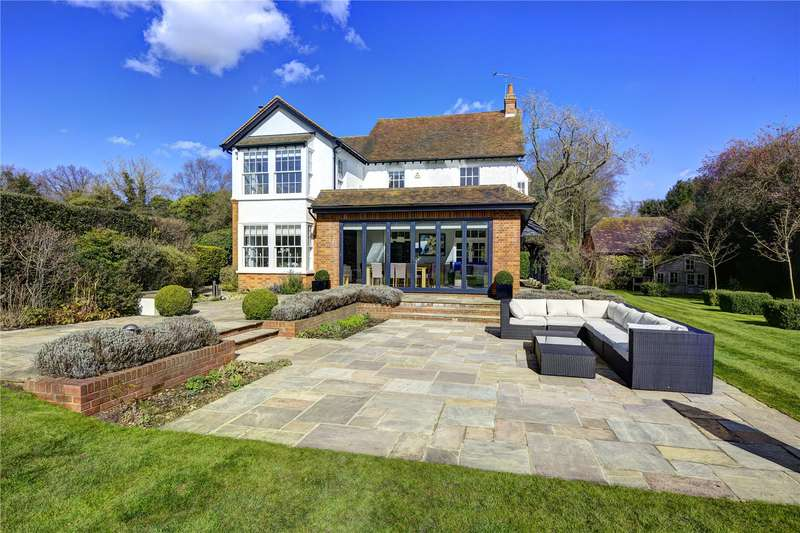 5 Bedrooms Detached House for sale in Nottingham Road, Heronsgate, Rickmansworth, Hertfordshire, WD3