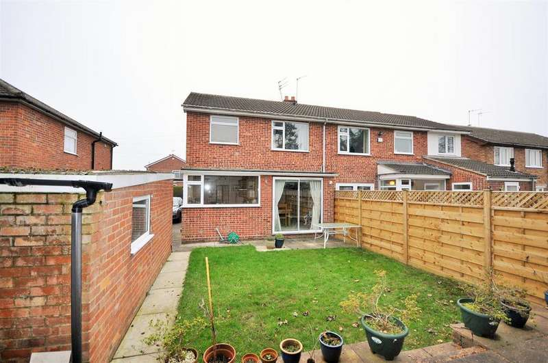 3 Bedrooms Semi Detached House for sale in Allerton Drive, Nether Poppleton, York