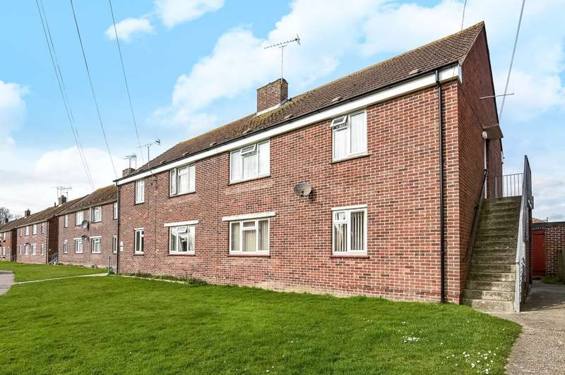 2 Bedrooms Flat for sale in Newlands Lane, Chichester, PO19