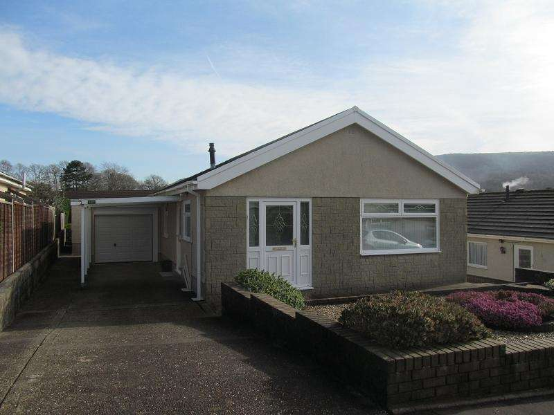 3 Bedrooms Detached House for sale in Kingrosia Park, Clydach, Swansea.