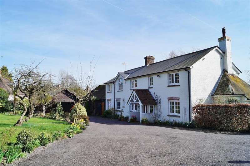 4 Bedrooms Detached House for sale in Bury