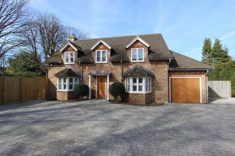 5 Bedrooms Detached House for sale in Privet Mews, Purley