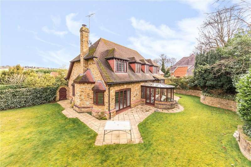 5 Bedrooms Detached House for sale in Digswell Lane, Digswell, Hertfordshire
