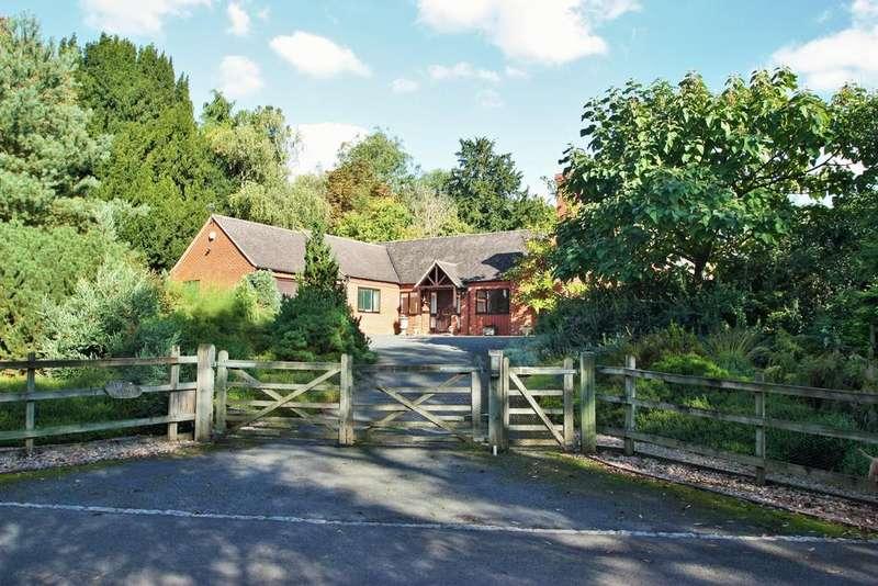 4 Bedrooms Detached Bungalow for sale in Henley Road, Great Alne