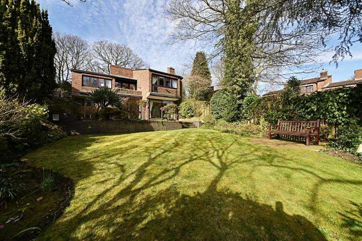 4 Bedrooms Detached House for sale in West Hill Park, N6
