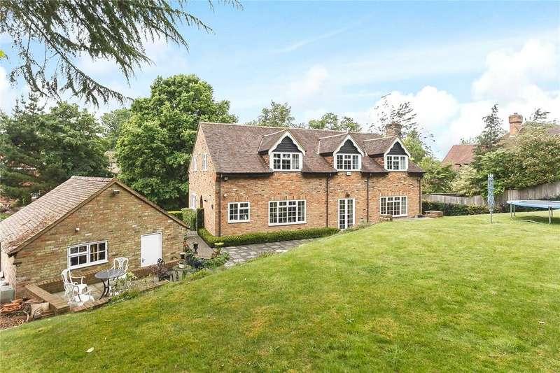 4 Bedrooms Detached House for sale in Camp Road, Gerrards Cross, Buckinghamshire