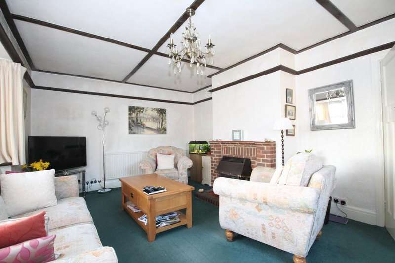 3 Bedrooms Detached House for sale in Langdale Close, Sompting, Lancing BN15 9SD