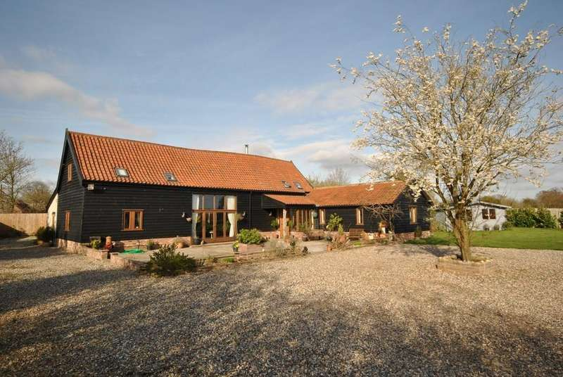 4 Bedrooms Barn Conversion Character Property for sale in Roydon, Norfolk