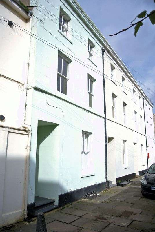 1 Bedroom Flat for sale in Priory Place, Gloucester