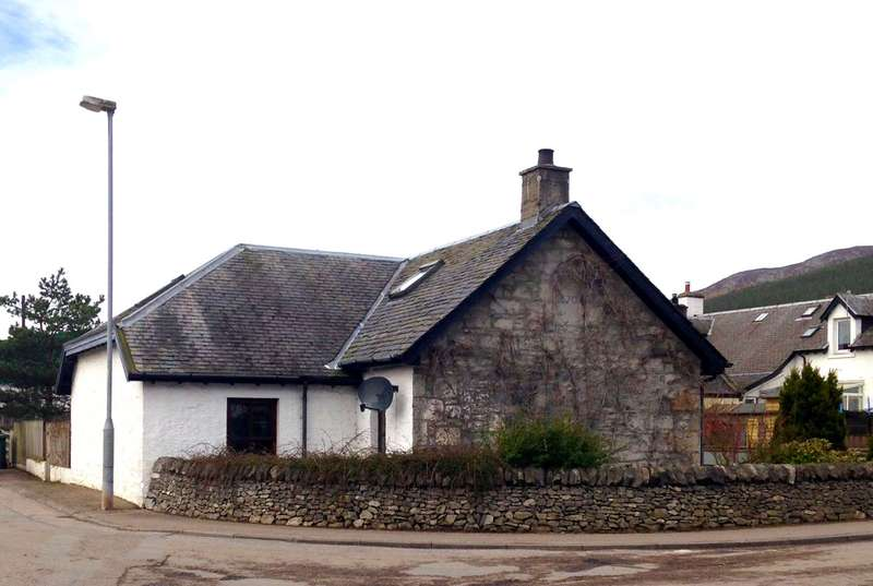 4 Bedrooms Cottage House for sale in Station Cottages, Kingussie, PH21 1EW
