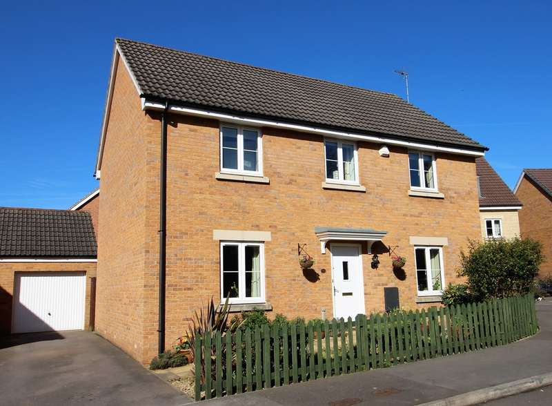 4 Bedrooms Detached House for sale in The Spur, Westbury