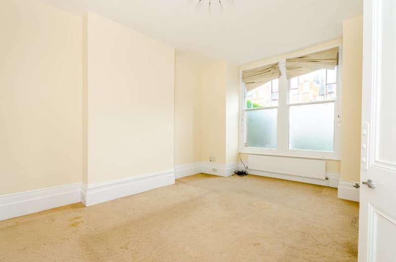 2 Bedrooms Flat for sale in Weston Park, Crouch End, N8