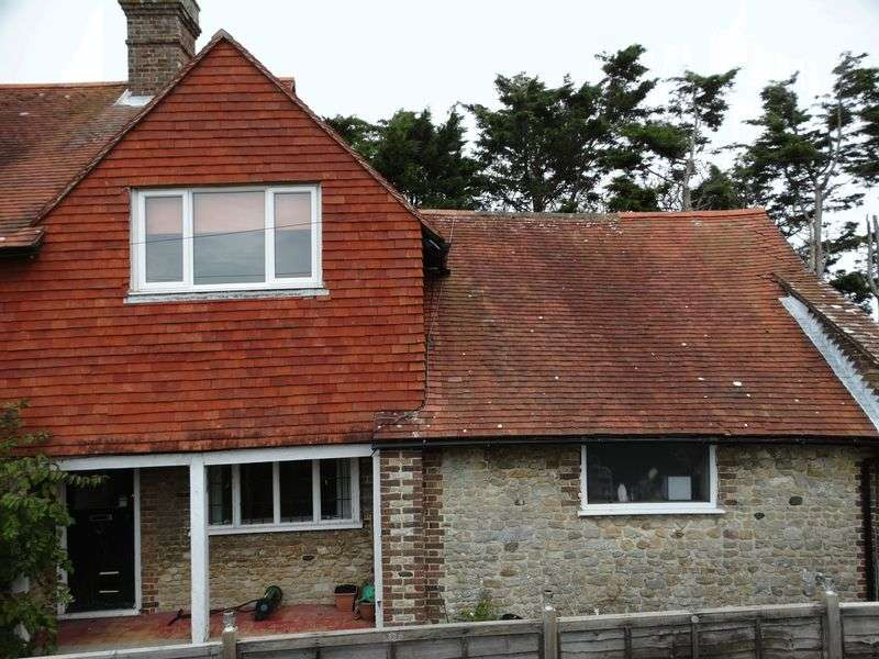 3 Bedrooms Semi Detached House for sale in High Street, Selsey