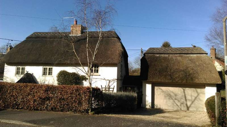 5 Bedrooms Detached House for sale in High Street, Codford St Mary, Warminster, Wiltshire, BA12