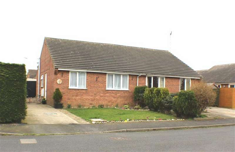 2 Bedrooms Semi Detached Bungalow for sale in Cherry Road, Hunmanby, North Yorkshire