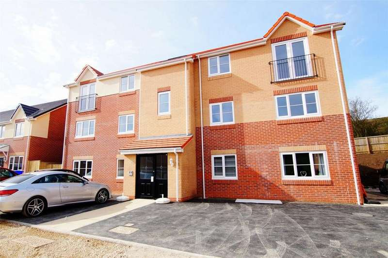 2 Bedrooms Flat for sale in Oliver's Heights, Blueberry Way, Scarborough