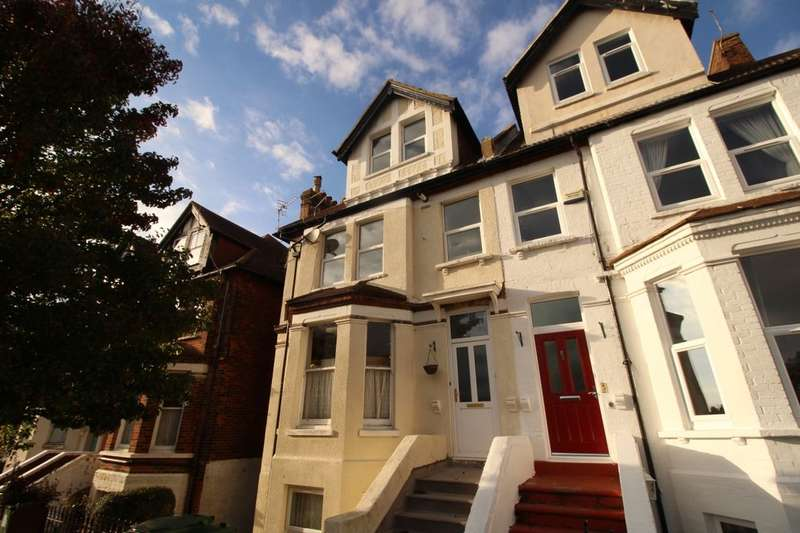 2 Bedrooms Flat for sale in East Cliff Gardens, Folkestone, CT19