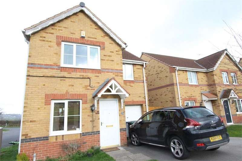 3 Bedrooms Detached House for sale in Raikes Avenue, BRADFORD 4, West Yorkshire