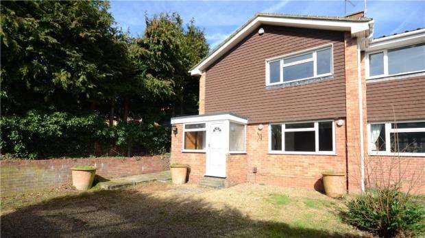 3 Bedrooms Semi Detached House for sale in Upper Hale Road, Farnham, Surrey