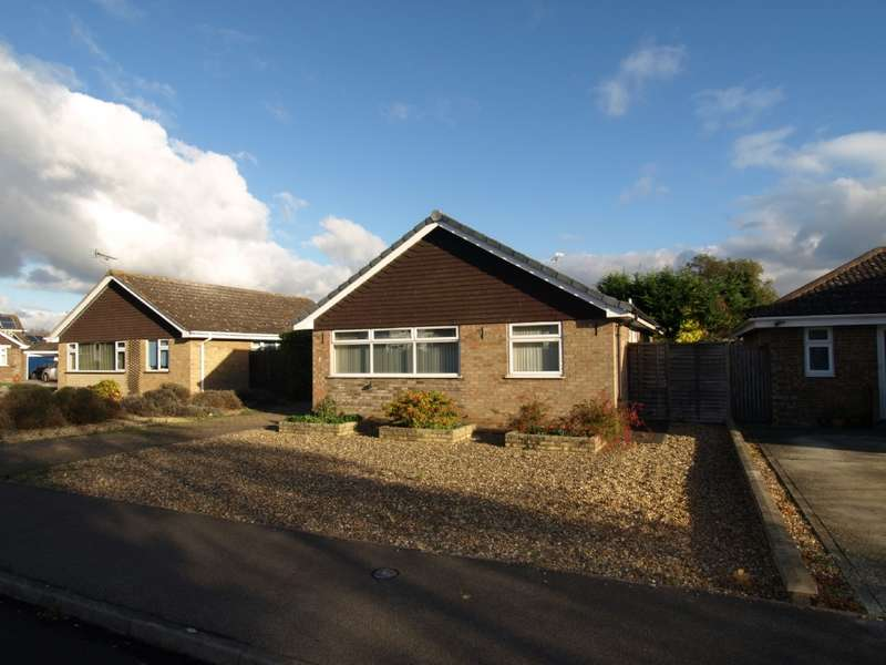 3 Bedrooms Detached House for sale in Lamb Close, Newport Pagnell, Buckinghamshire