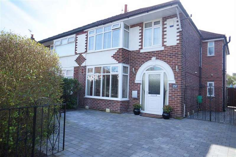 4 Bedrooms Property for sale in Brantingham Road, Chorlton, Manchester, M21