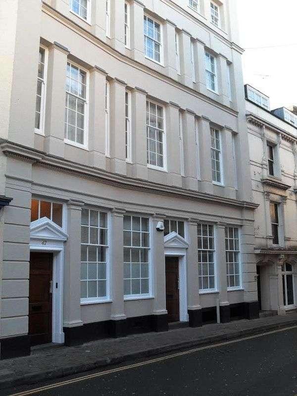 5 Bedrooms Flat for rent in St Nicholas Street, Bristol