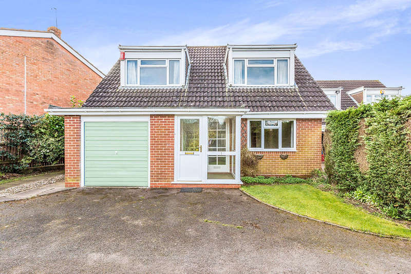 3 Bedrooms Detached House for sale in Moat Coppice, Birmingham, B32