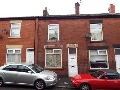 2 Bedrooms Terraced House for sale in Earnshaw Street, Great Lever, Bolton, Greater Manchester, BL3