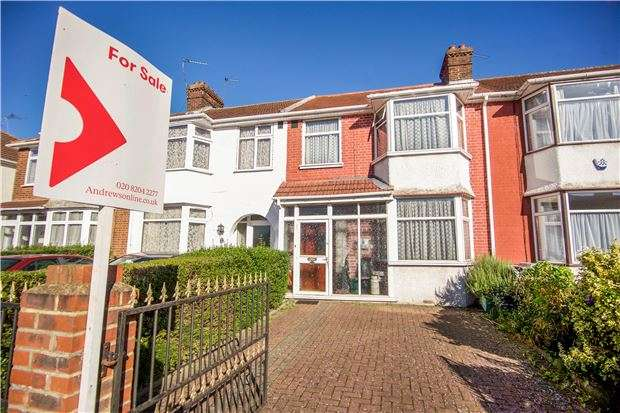 3 Bedrooms Terraced House for sale in Berkeley Road, KINGSBURY, NW9 9DG