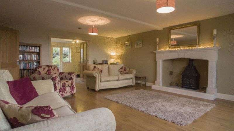 6 Bedrooms Detached House for sale in Greenavon Close, Evesham