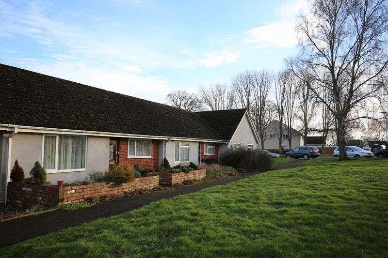 1 Bedroom Bungalow for sale in Glebelands, Lympstone